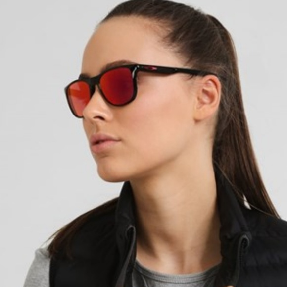 be6a24c4f2 Oakley Trillbe X Sunglasses. M 5b20fd18a5d7c6013023c071